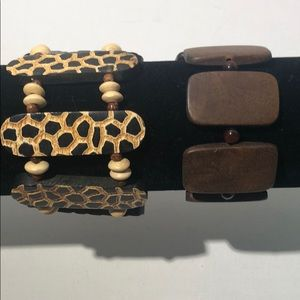 Lot of 2 wood / beaded stretch bracelets